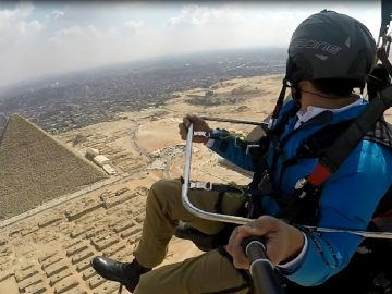 Paragliding Egypt - Over Great Pyramids of Giza - by Weekend Trips